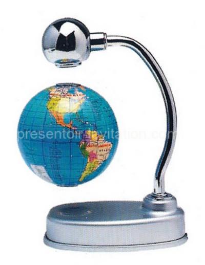 globe lévitation magnétique - globe terrestre flottant sous une potence
