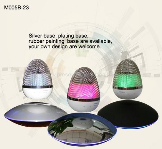 Haut-parleur bluetooth - différents modèles d'enceintes avec bases magnétiques silver, mat ou noire
